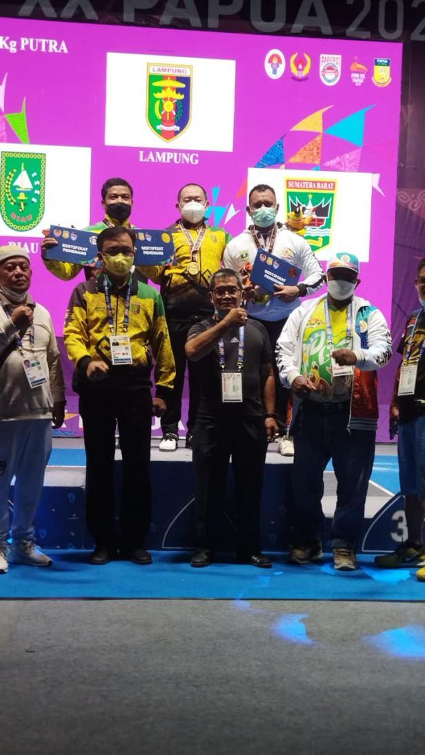 PON XX Papua: Angkat Berat Tambah Satu Medali Perunggu untuk Sumbar