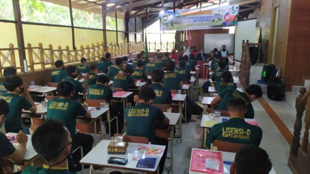 Kursus kepelatihan Lisensi-D PSSI di Lima Puluh Kota.