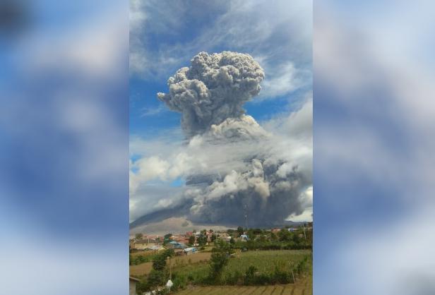 Erupsi Gunung Sinabung pada Senin (10/08/2020) kemarin