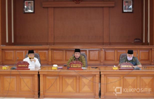 Pansus II DPRD Payakumbuh saat menggelar rapat evaluasi bersama Pemko Payakumbuh.