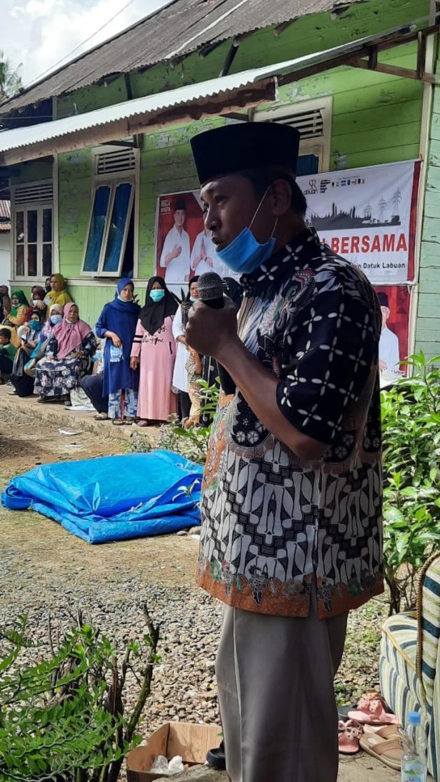 Salah seorang Tokoh Masyarakat Jorong Tobek, Nagari IV Koto, Kecamatan Pulau Punjung, Oyon Dt Lenggang Sati menyatakan dukungannya pada pasangan SR Labuan pada Pilkada tahun 2020 ini.