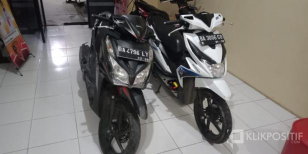 Dua unit sepeda motor jenis matic hasil curian pelaku curanmor yang beroperasi di Lima Puluh Kota dan Bukittinggi