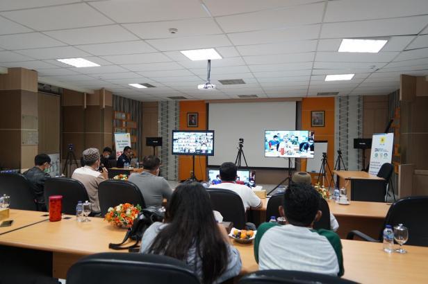 PLN Unit Induk Wilayah Sumatera Barat menggelar video conference untuk memastikan listrik andal saat lebaran Idul Fitri 1442 Hijriah, agar umat islam yang merayakan merasa nyaman dan aman.
