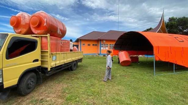 Tanki Air kapasitas 1.200 liter yang akan disalurkan