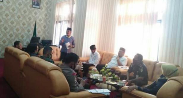 Wabup Zuldafri Darma menggelar rapat dengan anggota Forkopimda dan OPD terkait persiapan menuju new normal