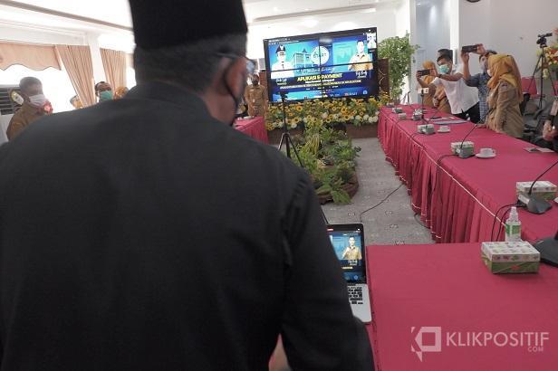 Wali Kota Padang meloancing aplikasi pembayaran retribusi digital