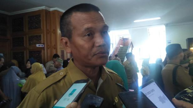 Wali Kota Pariaman, Genius Umar saat wawancara terkait aturan tanah Ulayat untuk investasi