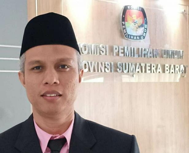 Divisi Teknis Penyelenggaraan KPU Sumbar, Izwaryani