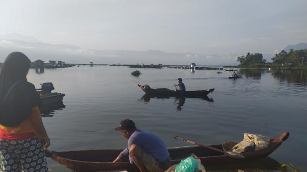 Aktivitas nelayan Danau Maninjau