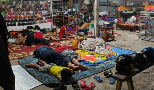 Perantau Minang korban gempa menginap di Posko yang dibuat IKM Sulbar Malaqbi