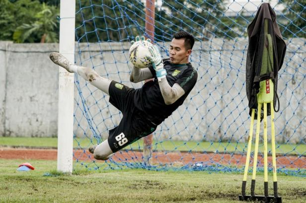 Angga Saputra, pemain anyar Persebaya yang telah bergabung dalam latihan perdana di Sidoarjo kemarin