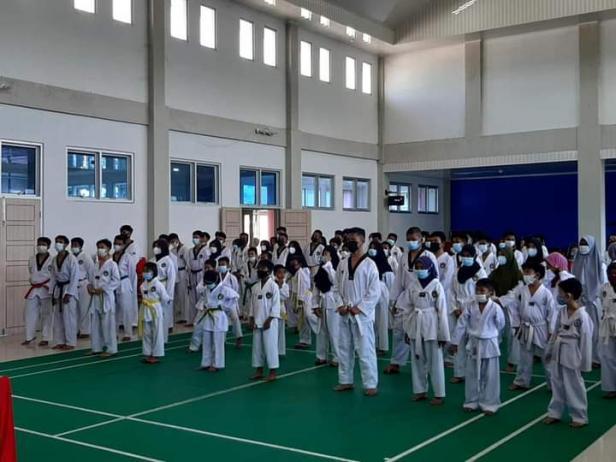 Calon altet Taekwondo Pessel ikuiti kenaikan sabuk