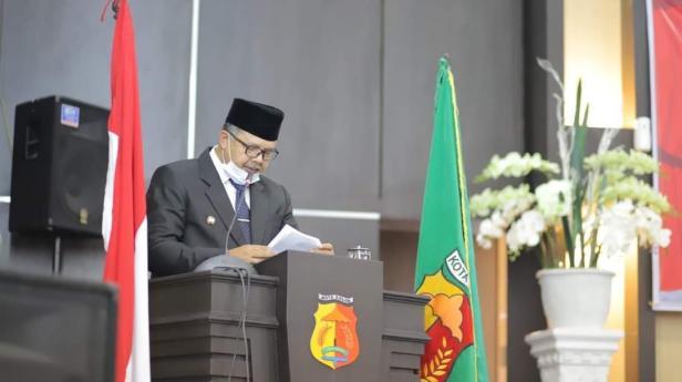 Wali Kota Solok, H. Zul Elfian menyampaikan pidato perdana di DPRD kota Solok