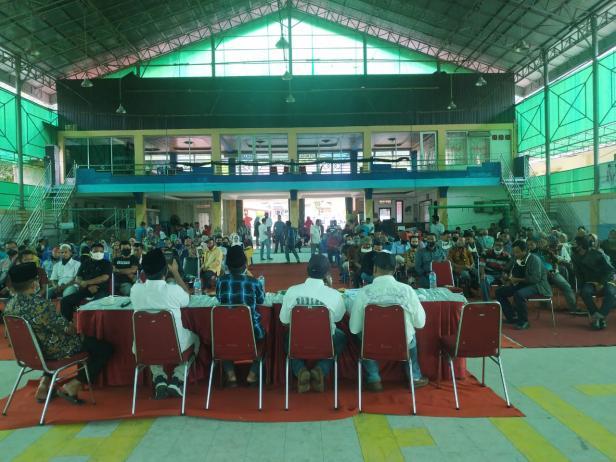Bakal Calon Bupati Pessel, Rusma Yul Anwar saat bersama simpatisan dan relawan di Painan