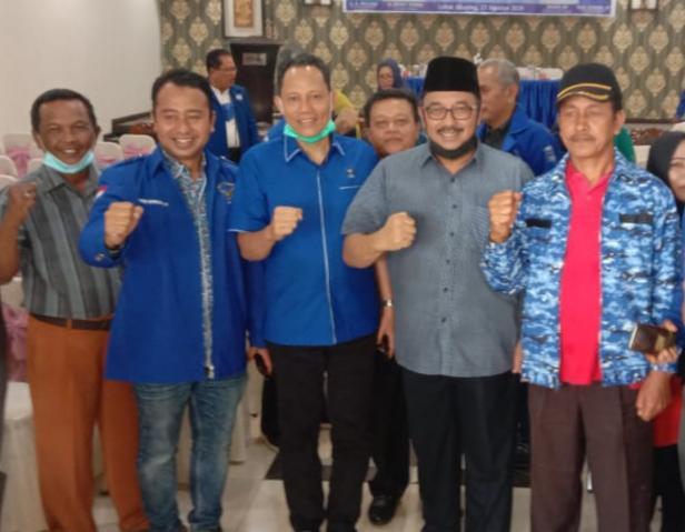 Pasangan Benny Utama dan Sabar AS di acara rapat konsolidasi dan workshop pendidikan politik bagi seluruh kader Partai Demokrat se Pasaman di Arumas Hotel Lubuk Sikaping.