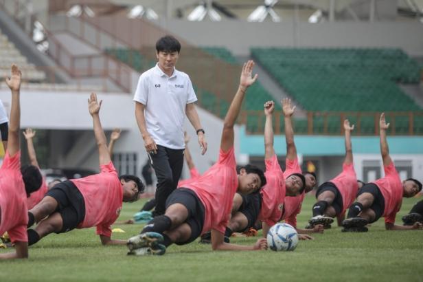 Shin Tae Yong pantau latihan para pemain