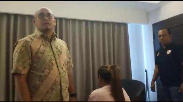 Saat Penggerebekan NN di Salah Satu Hotel di Kota Padang