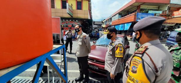 Rombongan Polda Sumbar meninjau lokasi Pasar Pusat Kota Padang Panjang
