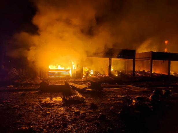 Kebakaran di Pasar Baso Agam pada Selasa (14/09/2021) dini hari