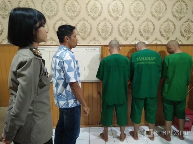 Ketiga Tersangka di Mapolresta Padang