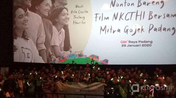 Nobar mitra Gojek Padang di CGV dengan film Nanti Kita Cerita Tentang Hari ini, Rabu, 29 Januari 2020