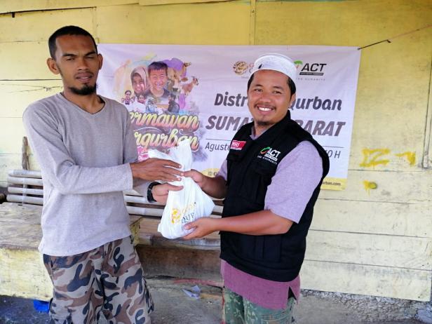 Distribusi daging kirban oleh ACT (Arsip foto 2019)