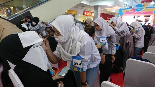 Peserta kompetisi make up bagi pemula by QL Cosmetic