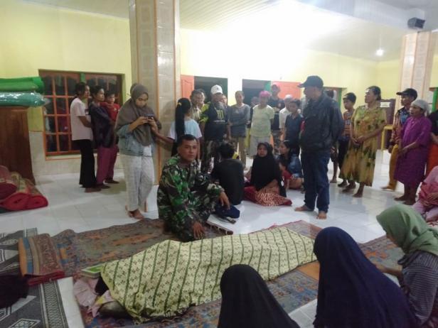 Jasad korban dibawa ke Masjid Raya Talago