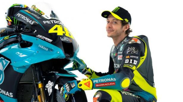 Rossi dengan kostum Yamaha Petronas