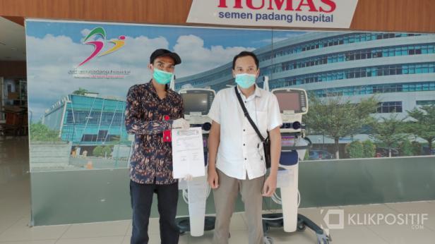 Penyerahan peminjaman dua ventilator SPH kepada RSUP M. Djamil, Sabtu (15/5)
