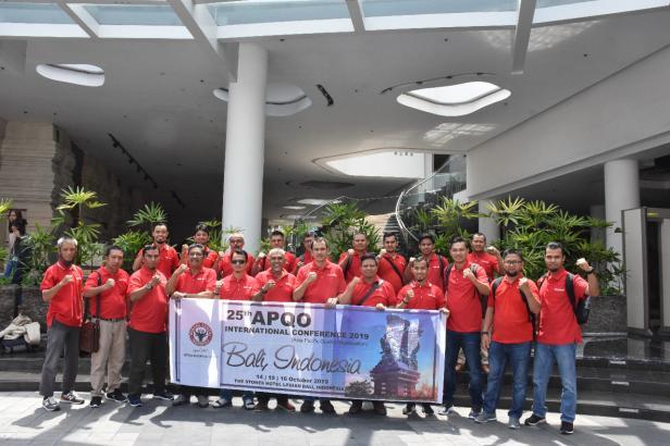 BERPESTASI: Tim Inovasi Semen Padang yang sukses meraih prestasi pada ajang Asia Pacific Quality Organization (APQO) International Conference ke- 25 di Bali 14 - 16 Oktober 2019. Mereka menyabet  3 Stars, anugerah tertinggi pada ajang tersebut.