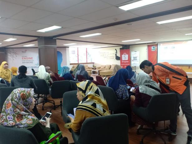 Peserta pelatihan Pasar Online tenant dan mitra STP Unand