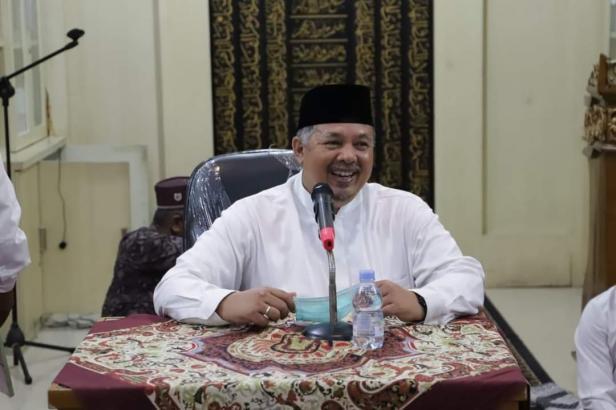Wako Solok, H. Zul Elfian mengajak jemaah masjid bentuk BMT untuk pengembangan ekonomi jemaah