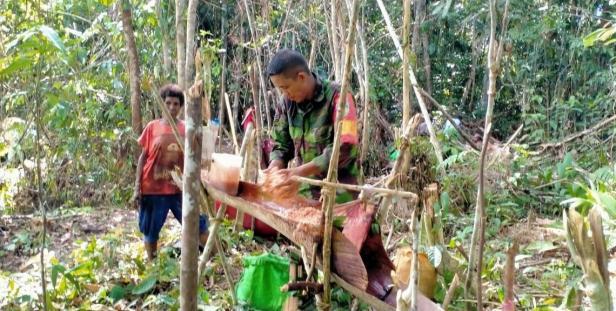 Sagu Jadi Makanan Pokok Warga Kampung Dorba