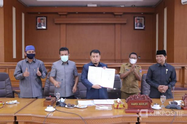 DPRD Payakumbuh dan Pemko Sahkan  Perda LP2B