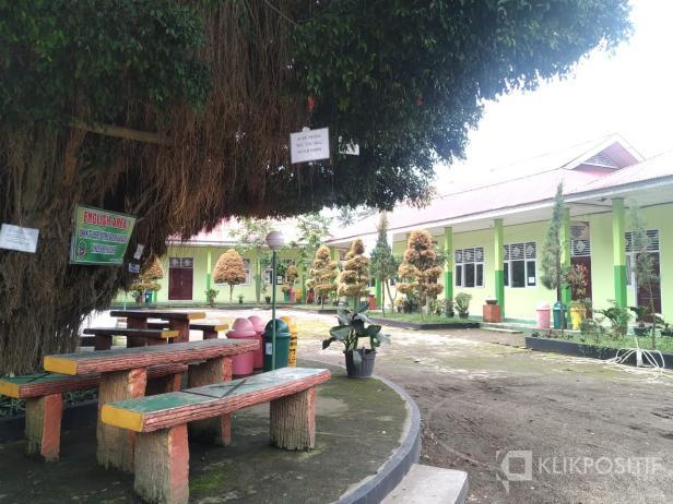 SMA Negeri 4 Payakumbuh yang kembali ditutup.