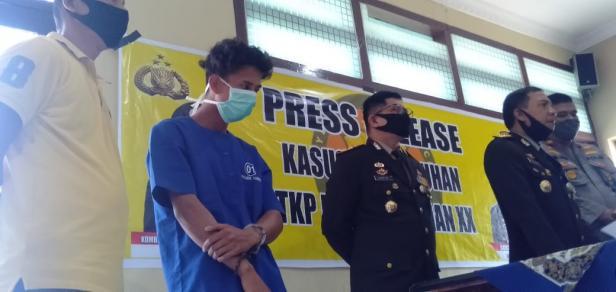 Kapolresta Padang Kombes Pol Yulmar Tri Himawan dan Wakapolresta Padang AKBP Haris Hadis saat Jumpa Pers di Mapolresta Padang