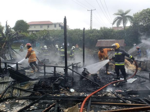Api menghanguskan satu rumah di Nagari Panyalaian, Tanah Datar