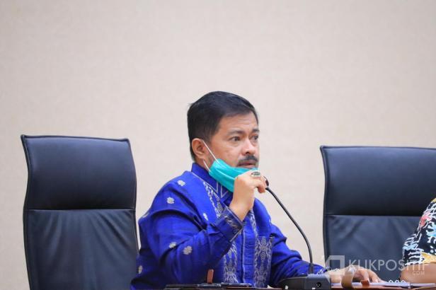 Kepala Dinas Kesehatan Payakumbuh dr. Bakhrizal saat menginformasikan kasus positif di Kota Payakumbuh