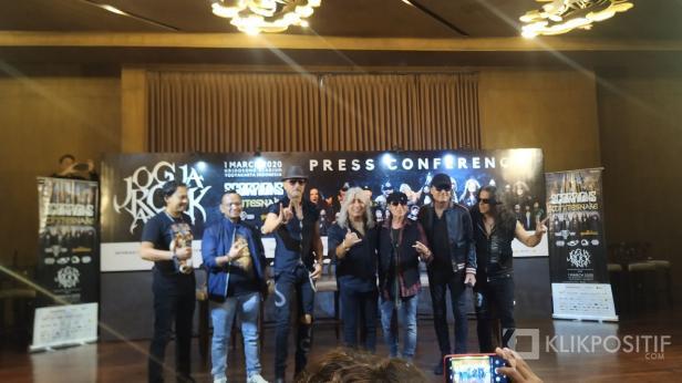 Band Scorpions saat press conference di Hotel Tentrem, Yogyakarta jelang JogjaROCKarta International Music Festival #4