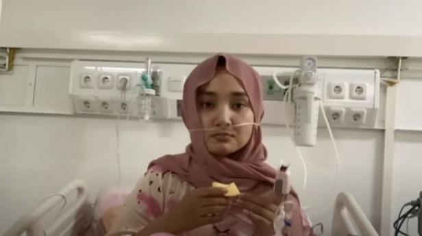 Fatin Shidqia saat dirawat di Rumah Sakit Wisma Atlet