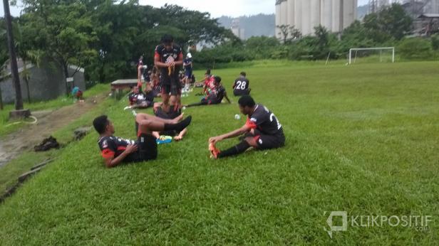 Para Pemain Semen Padang FC Hasil Seleksi Saat Latihan