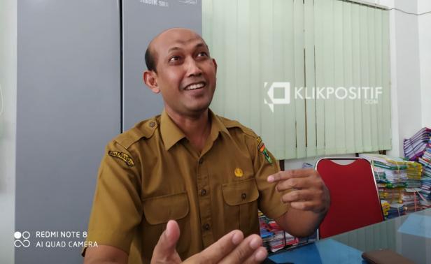 Kepala Bidang Pembinaan SMA Dinas Pendidikan Sumbar Suryanto