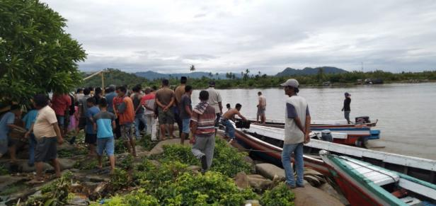 Suasana salah satu lokasi tempat pencarian nelayan hilang di Pessel