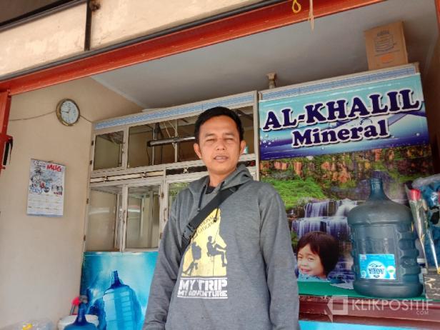Bustanul Arifin alias Kinoy, tukang G]galon yang menyelamatkan seorang nenek dari kebakaran