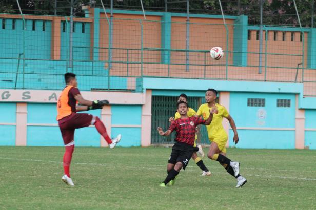 Laga Uji Coba Semen Padang FC dengan Badak Lampung FC di Stadion Mini Cibinong, Bogor, Rabu (26/2/2020)