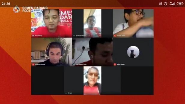 Bincang-bincang Virtual di Akun YouTube Semen Padang FC