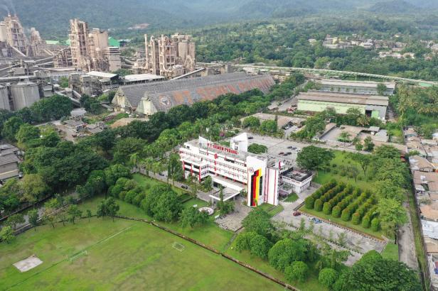 Pabrik PT Semen Padang