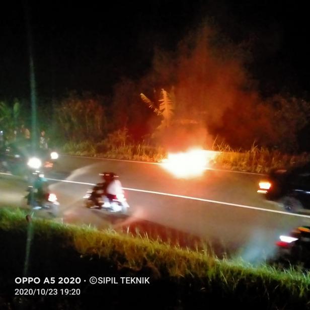 Sepeda Motor Terbakar