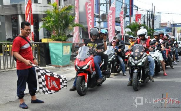 Rombongan ADV150 dalam kegiatan Hayati Rolling City